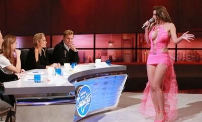 Aische aus Berlin versucht die Jury von sich zu überzeugen   Verwendung der Bilder für Online-Medien ausschließlich mit folgender Verlinkung:'Alle Infos zu 'Deutschland sucht den Superstar' im Special bei RTL.de: http://www.rtl.de/cms/sendungen/superstar.html
